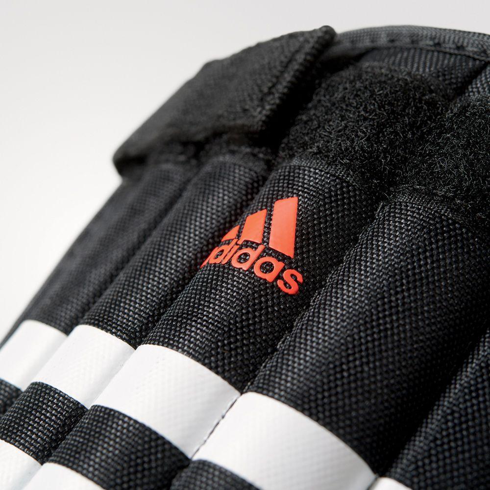 adidas Evertomic shin guards black at Sport Bittl Shop