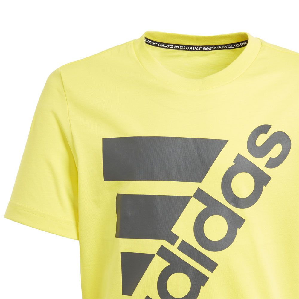 adidas Must Haves Badge of Sport T Shirt Jungen shock yellow grey six