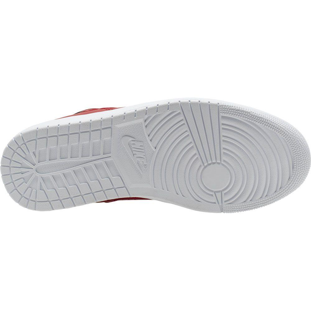 gym white shoes