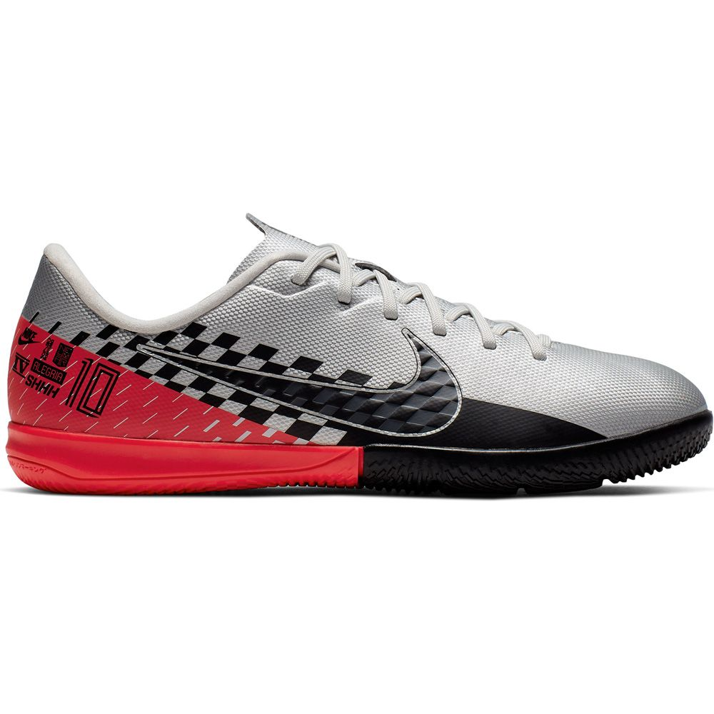 Nike - Vapor 13 Academy IC Soccer Shoes